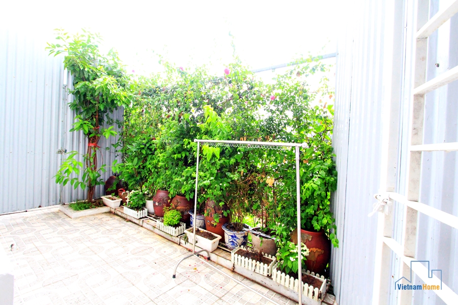 Nice Apartment With Small Garden In Xuan Dieu St West Lake Dict - Balcony garden hanoi