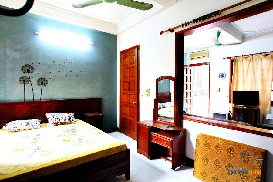 Cheap apartment for rent in Pho Hue St., 20 minutes