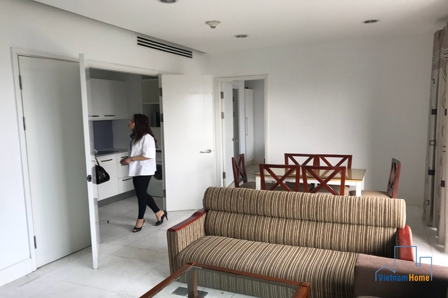 bright 135 sqm 03 bedroom apartment for rent in ngoai giao doan
